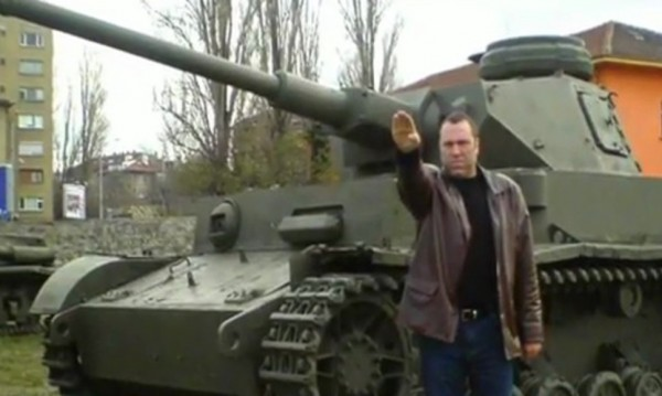 """""""Heil Hitler"""" 2 остава!? Иво Антонов с кабинет до Каракачанов"""