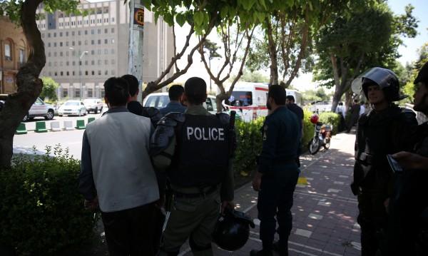Терор в Иран! Седем загинали при две атаки в Техеран