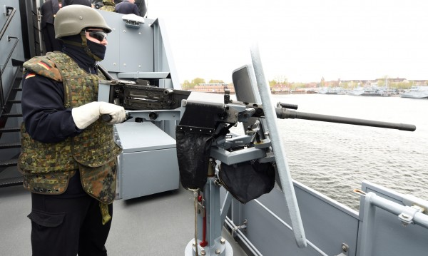 Евросъюзът ще се въоръжава, събира легион за борба с тероризма