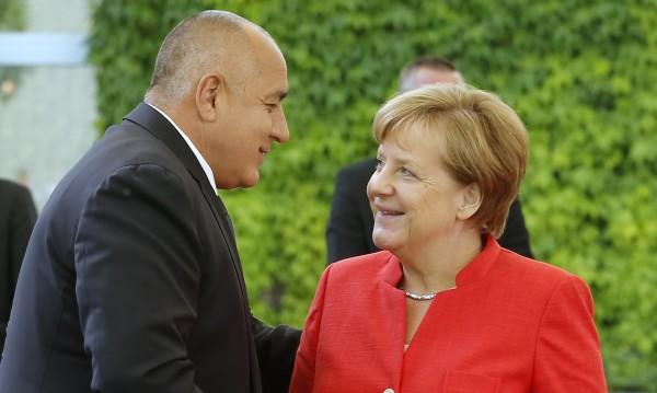 Ангела Меркел пожела животът на българите да се подобрява