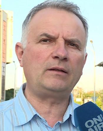 Македонският премиер дава заявка за нов курс към България
