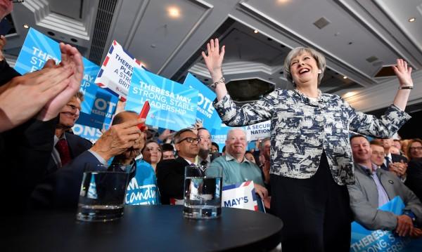 Британците гласуват на важен вот преди преговорите за Brexit