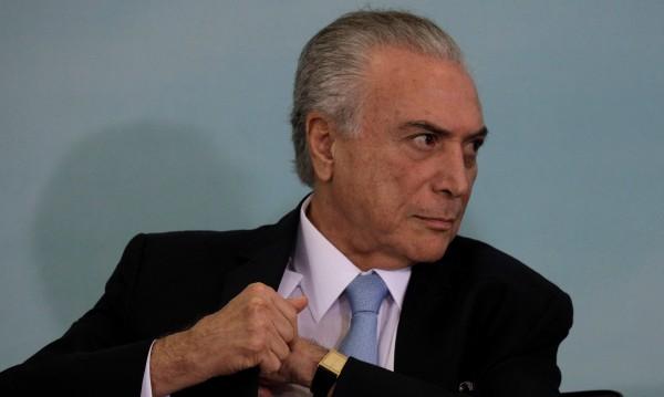 Жена нахлу в резиденцията на бразилския президент... любов!