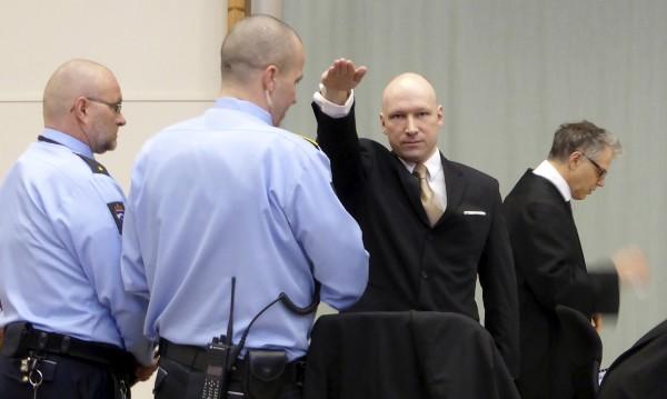 Норвежки съд: Човешките права на Брайвик не се нарушават