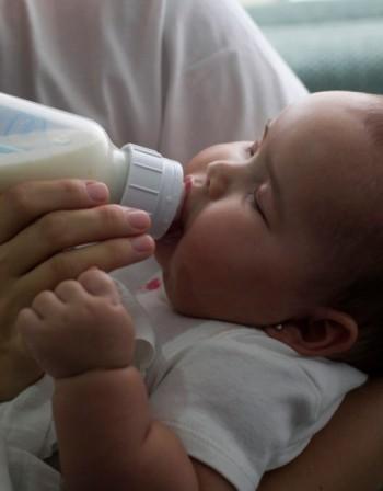 Колко често да храним бебето?