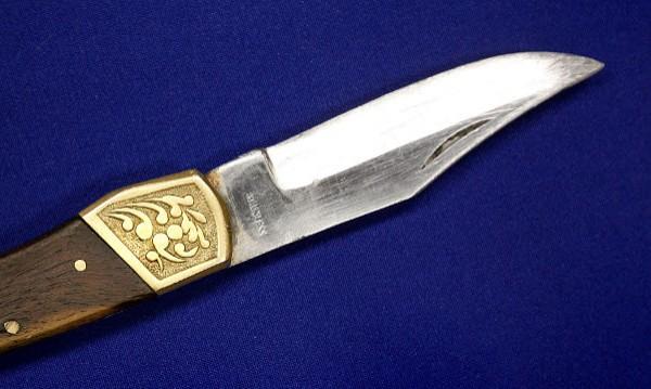 Въоръжен с нож взе заложници в Нюкасъл