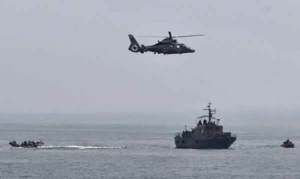 Вертолет на ВВС падна на учение, трима пострадаха