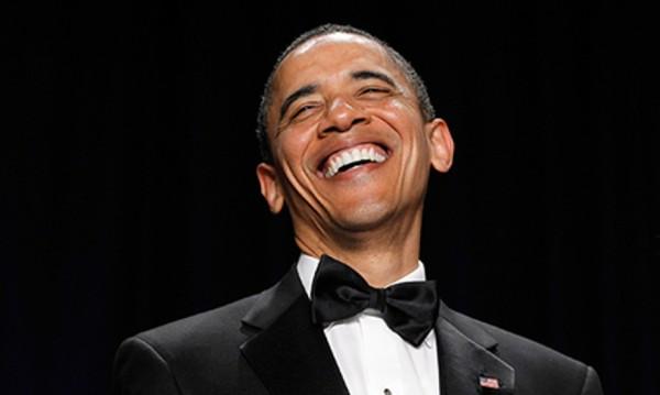 Барак Обама с един и същ смокинг цели 8 години!
