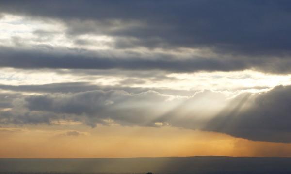 Времето в неделя: Облаци и краткотрайни валежи