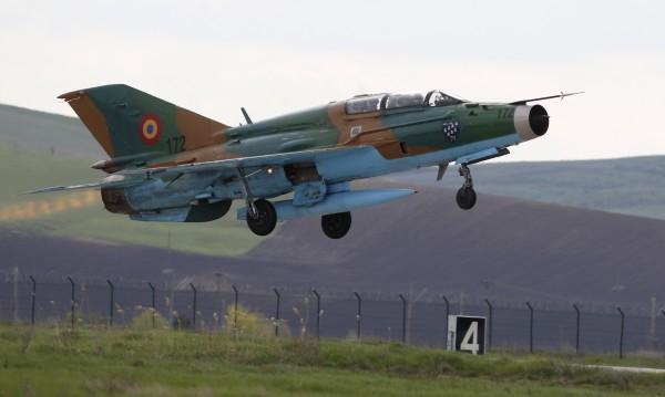 Румънски МиГ-21 се разби при учение с българските ВВС