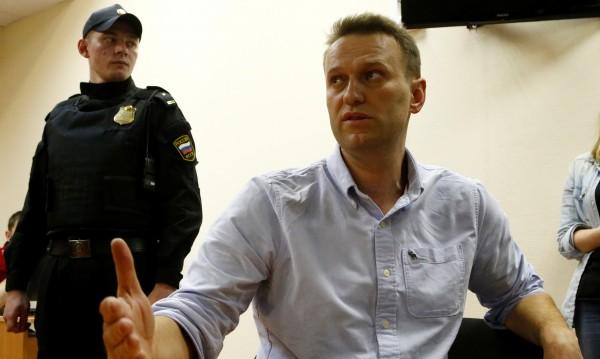 Московски съд осъди опозиционера Навални на 30 дни арест
