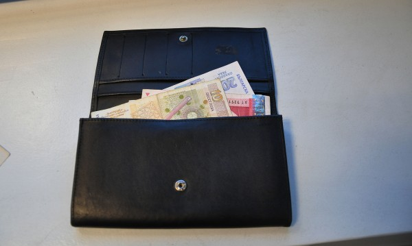 Евро, рубли, долари и лева... свити от руснак в Поморие