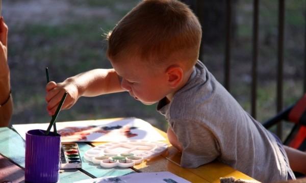 За децата без място в забавачки – държавата дири бавачки