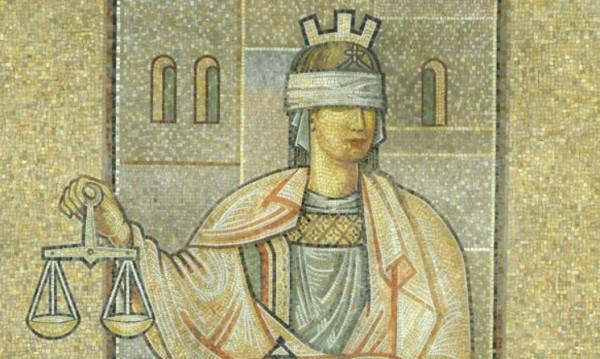 Съд осъди разузнавач, приемал подкупи... пари и вещи