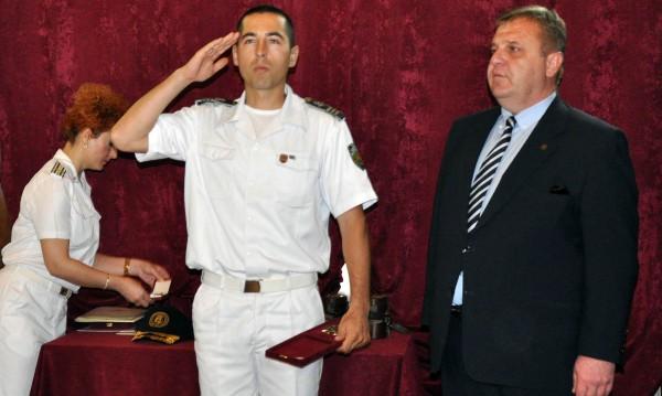 Каракачанов: Да служиш при тези условия е героизъм!