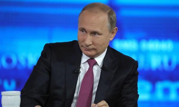 Граждани към Путин: Три президентски мандата, стигат ти толкова!