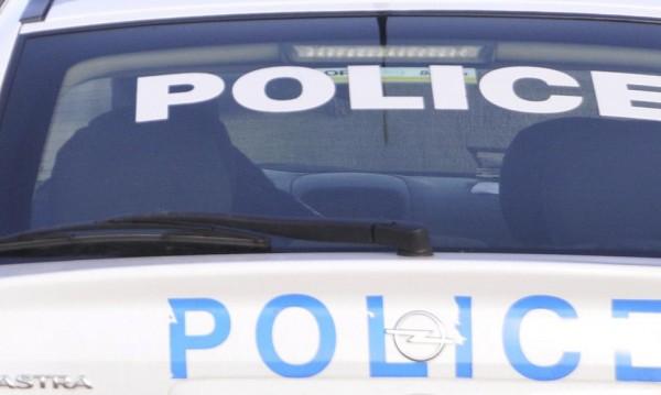 Полицаи хванаха куриер на ало измамници