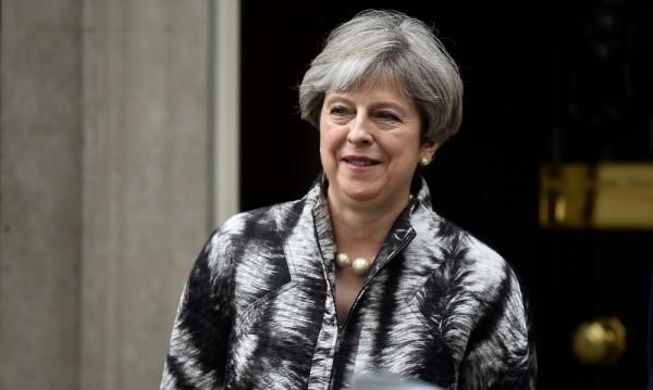 """ЕС към Мей: Плати си сметките, ако искаш """"мек Brexit"""""""