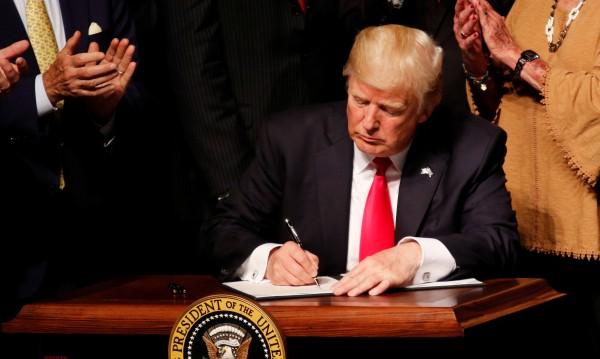 Тръмп притваря историческото отваряне на САЩ към Куба