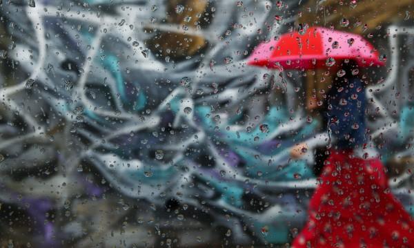 Времето днес: Облачно, дъждовно, възможни са градушки