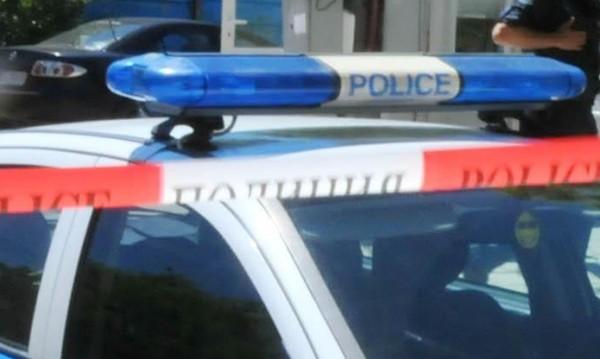 Тежка катастрофа край Мездра, кола се заби в ТИР
