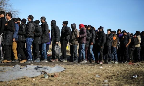 Сръбските власти спипаха 145 трафиканти на бежанци