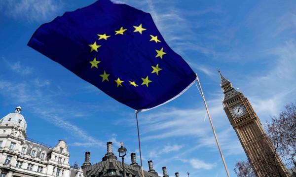 Лондон започва преговорите за Brexit: От март 2019 година