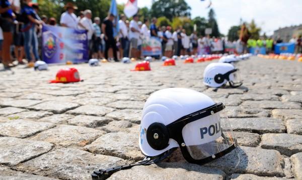 Празник или протест? Полицаите на улицата на 5 юли