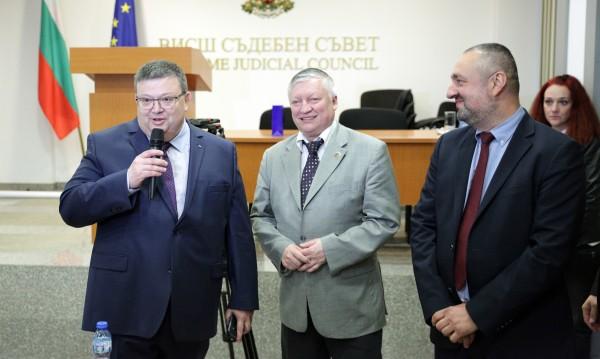 Цацаров: По-малко политика и съдебната реформа ще се случи!