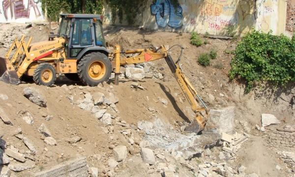 Багер загреба снаряд в Пловдив, станаха общо 25