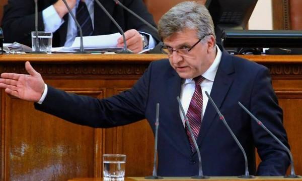 Два за ден: Цацаров иска имунитета и на Манол Генов от БСП