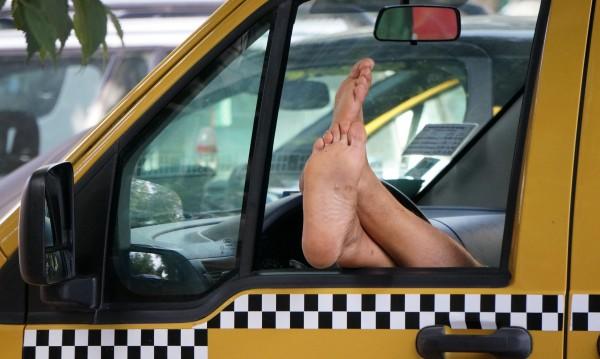 Пловдивски таксиджия на съд, имитирал такси компания