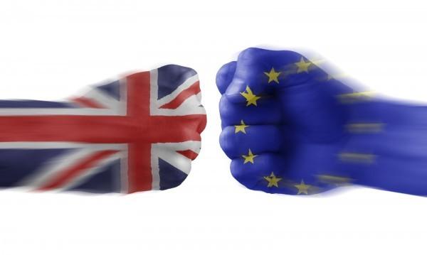 Великобритания брои кандидатите за пребиваване след Brexit-а