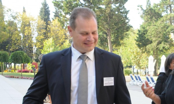 Повдигнаха обвинение на бившия шеф на АПИ Лазар Лазаров