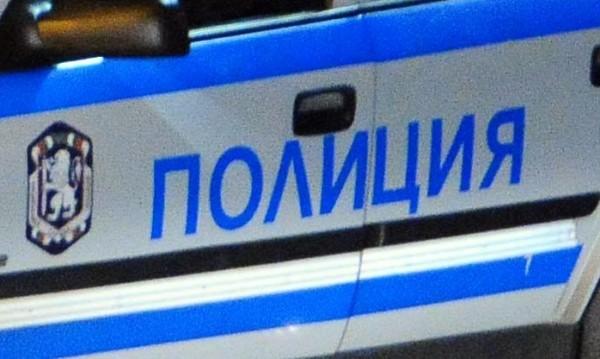 Арестуваха двама, били и отвлекли мъж от пазар
