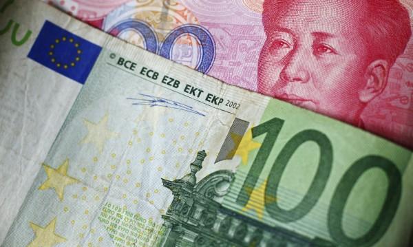 """С левове и евро – баба спонсорира """"полицаи"""" за акция"""