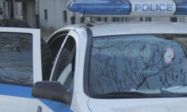 Откриха мъртви мъж и жена в кола до село Невша