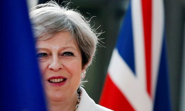 Консерватори в Лондон: Тереза Мей трябва да подаде оставка