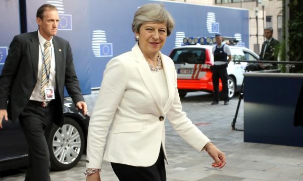 Тереза Мей се кани да депортира европейци престъпници