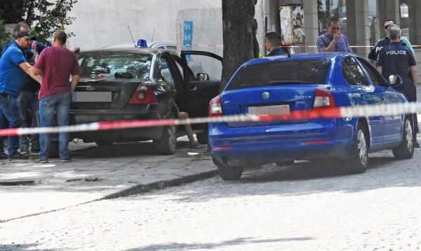 Мъж се простреля в центъра на София при полицейска проверка