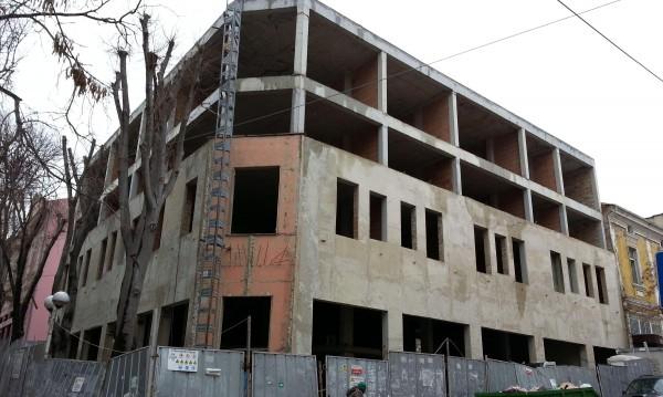 Бюрокрация: За строеж на къща у нас искат 50 документа