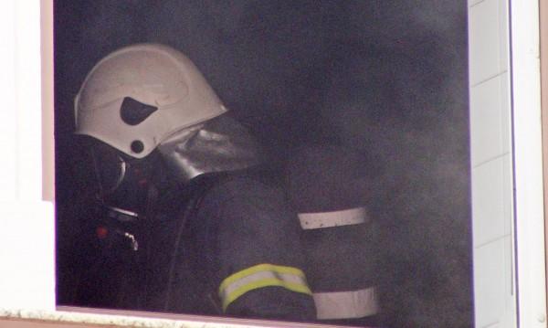 Психично болен мъж подпали апартамента си в Плевен