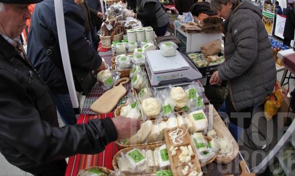 Сладко за 6 лв., мед – 10 , сирене – 15 лв.: На фермерски пазар в София