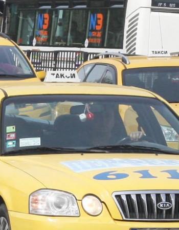 Таксиметров шофьор загина зад волана в София
