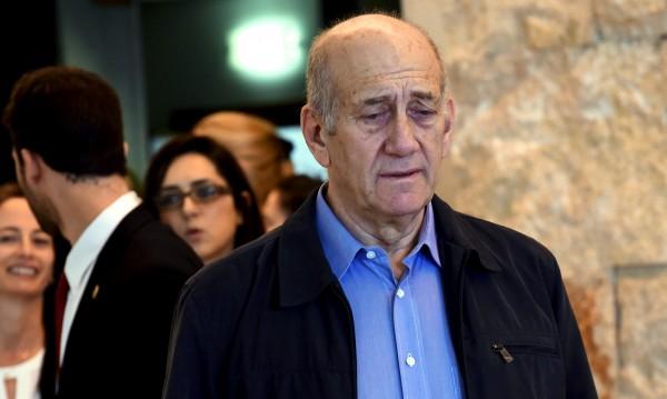 Освобождават Ехуд Олмерт предсрочно от затвора