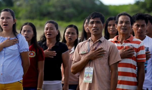 На Филипините: Не пееш химна със страст? Глоба $2000!