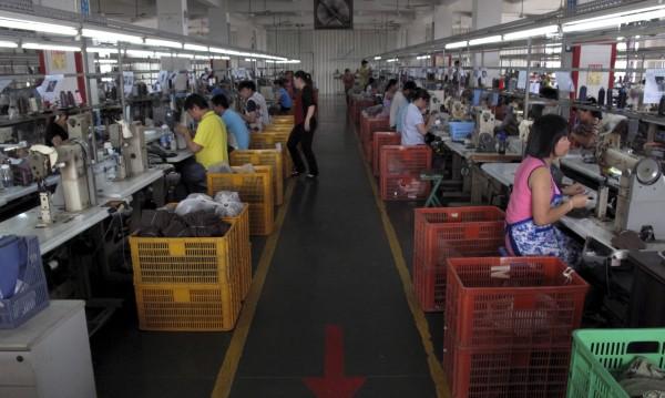 Пекин: Не сме основен износител на фалшиви стоки в ЕС!