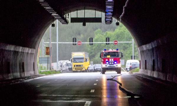 """Отварят за движение тунел """"Ечемишка"""" в посока Варна"""