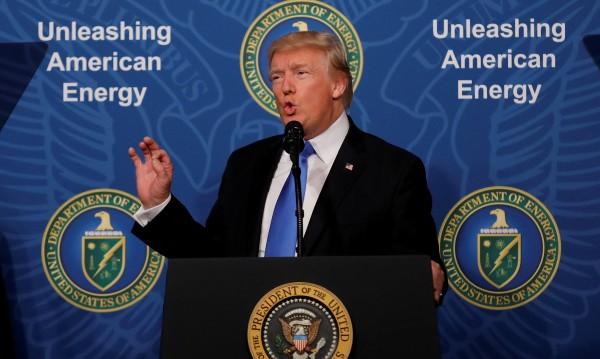 Тръмп  горд, че изтеглил САЩ споразумението за климата