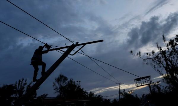 Четири жертви взеха бури в Украйна